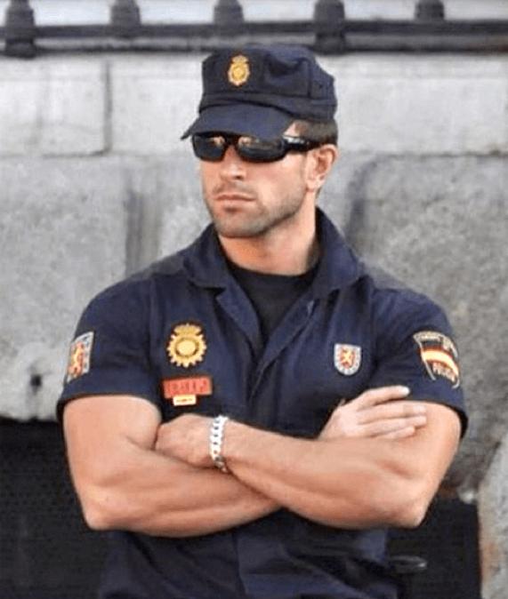 мужик старательно сексуальные парни в полицейской форме просто